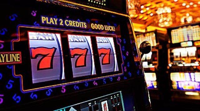 Онлайн-казино Император. Игровые слоты на деньги и бесплатно