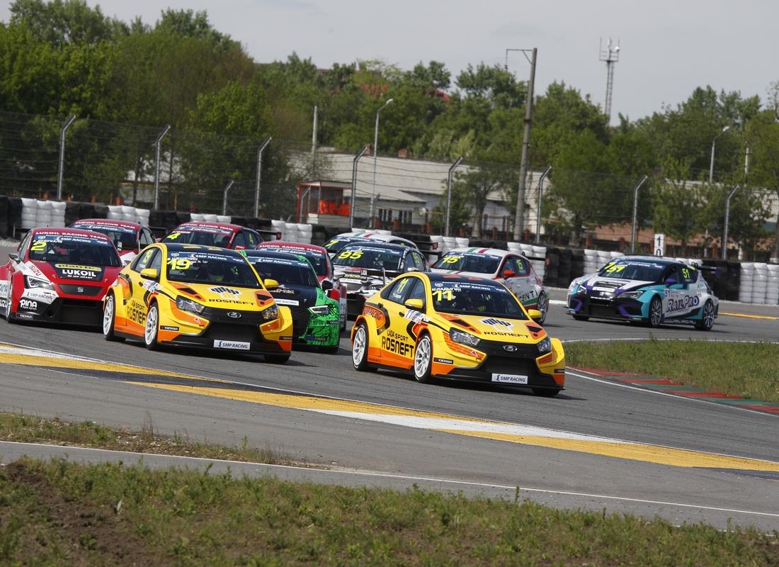 LADA Sport ROSNEFT : «Поддержка зрителей нам очень важна. Автоспорт рулит!»