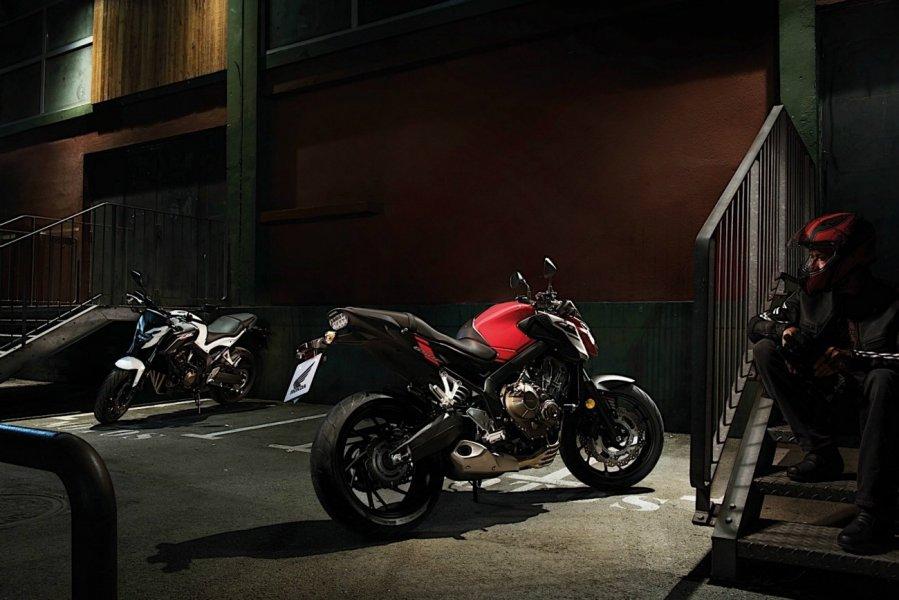 Среднекубатурные нейкиды Honda CB650F и CBR650F 2018