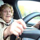 Видео: Бабушка расскажет, что общего у Tesla и «Москвича»