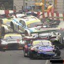 Видео: Попробуйте сосчитать, сколько машин разбилось в этой аварии