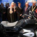 Владимиру Путину представили тяжелый мотоцикл «Иж»