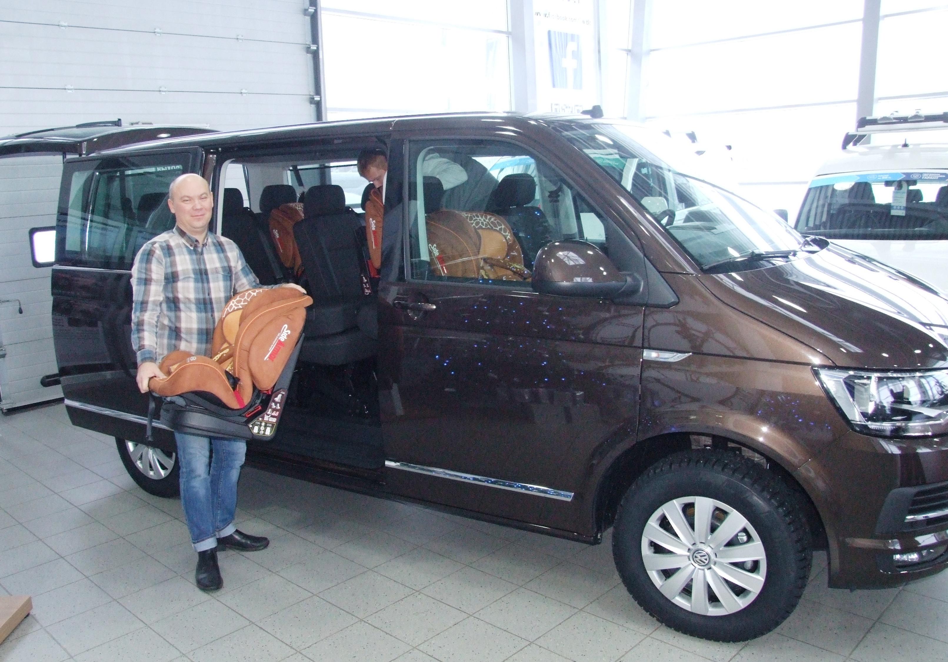 Многодетной семье — Wolkswagen Caravelle