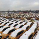 Видео: Гигантское кладбище московских такси сняли с дрона