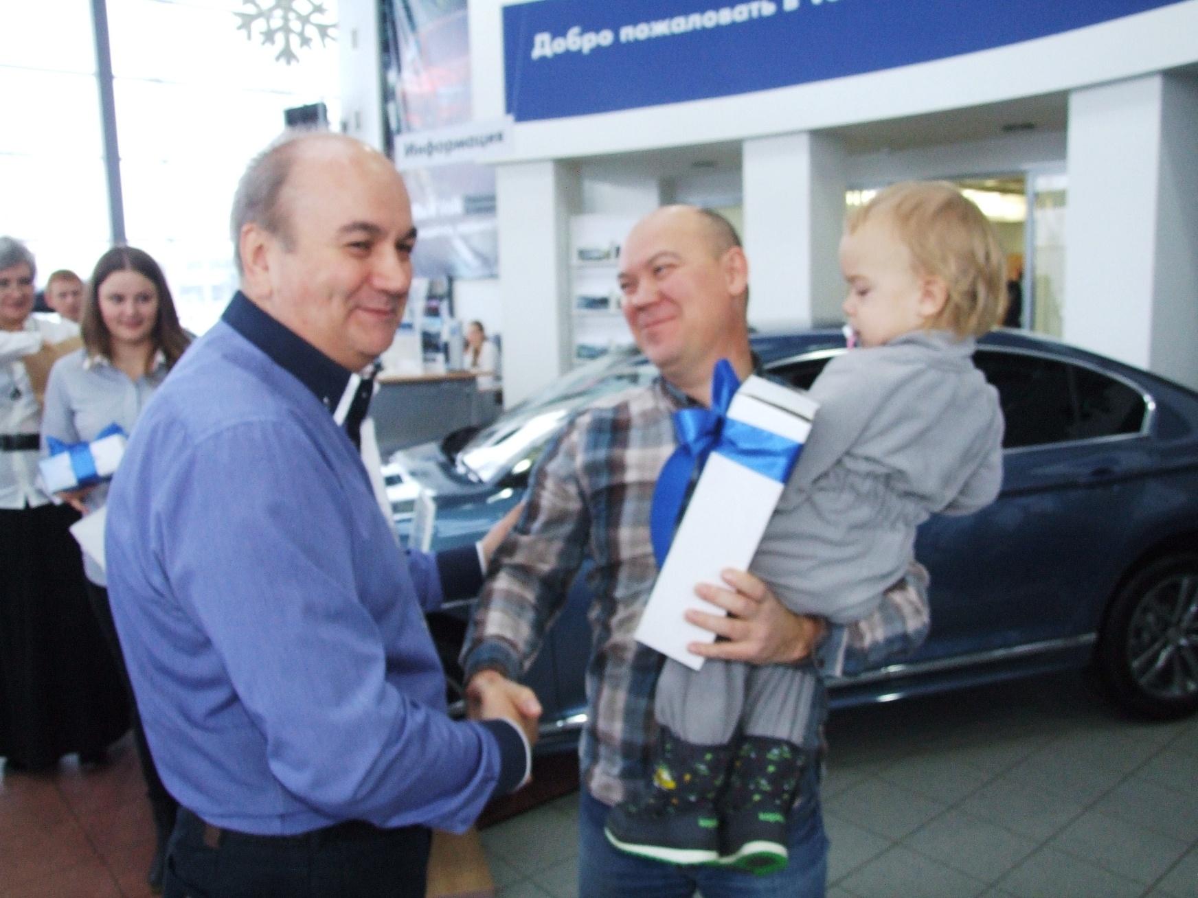 Многодетной семье — Volkswagen Caravelle